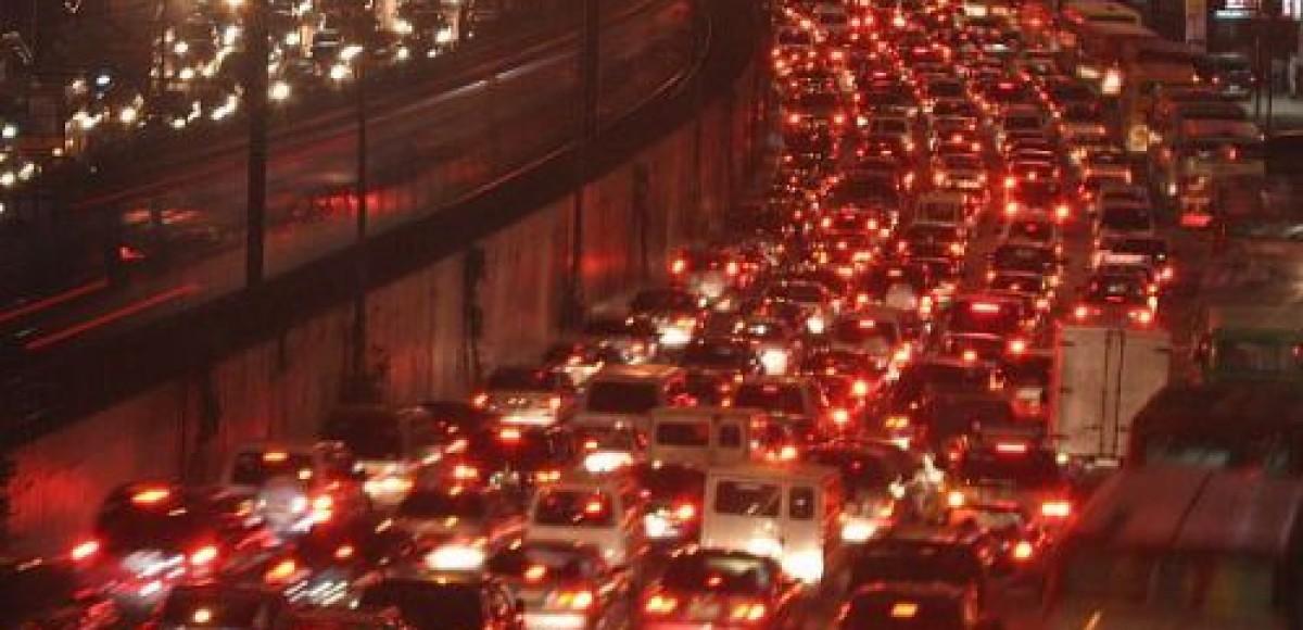 В воскресенье в Москве из-за крестного хода будет ограничено движение транспорта