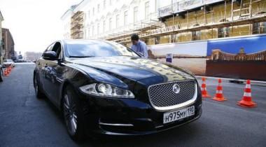 Автопробег владельцев Jaguar по Санкт-Петербургу