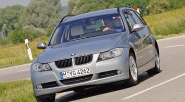 BMW 330 touring и Mercedes-Benz C 270 T CDI. Марширующие в одной колонне