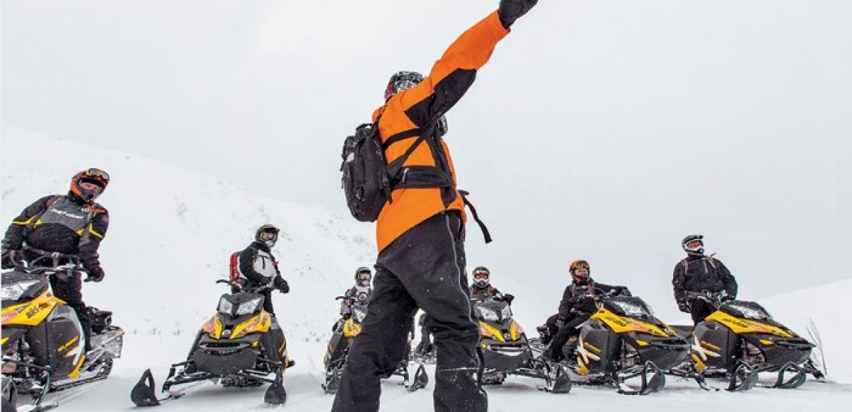SkiDooKing. Как обучают езде на снегоходах в горах