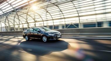 Toyota в десятый раз признана самым дорогим автомобильным брендом в мире