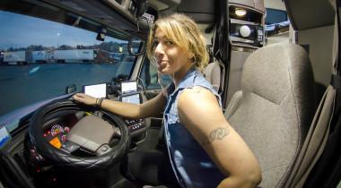 Американские дальнобойщицы: женщины, успешно освоившие профессию водителя грузовика