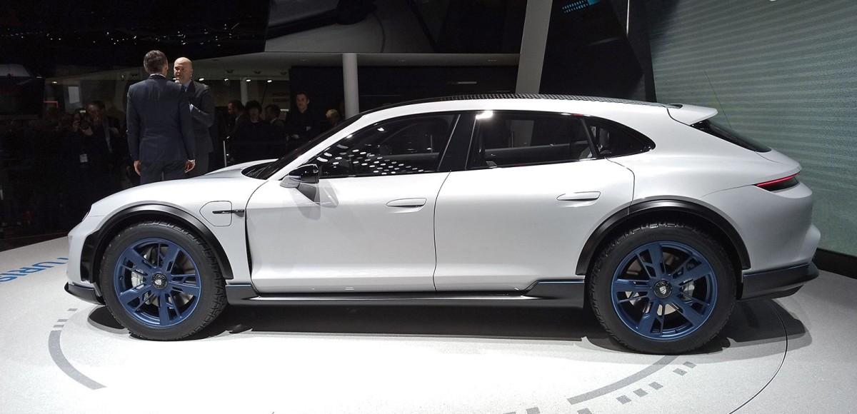Porsche Mission E Cross Turismo: накануне серии