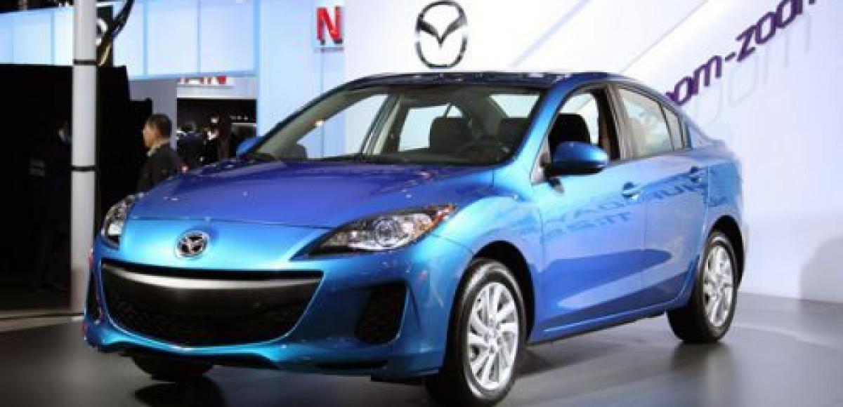 Японские производители показали обновленную Mazda3