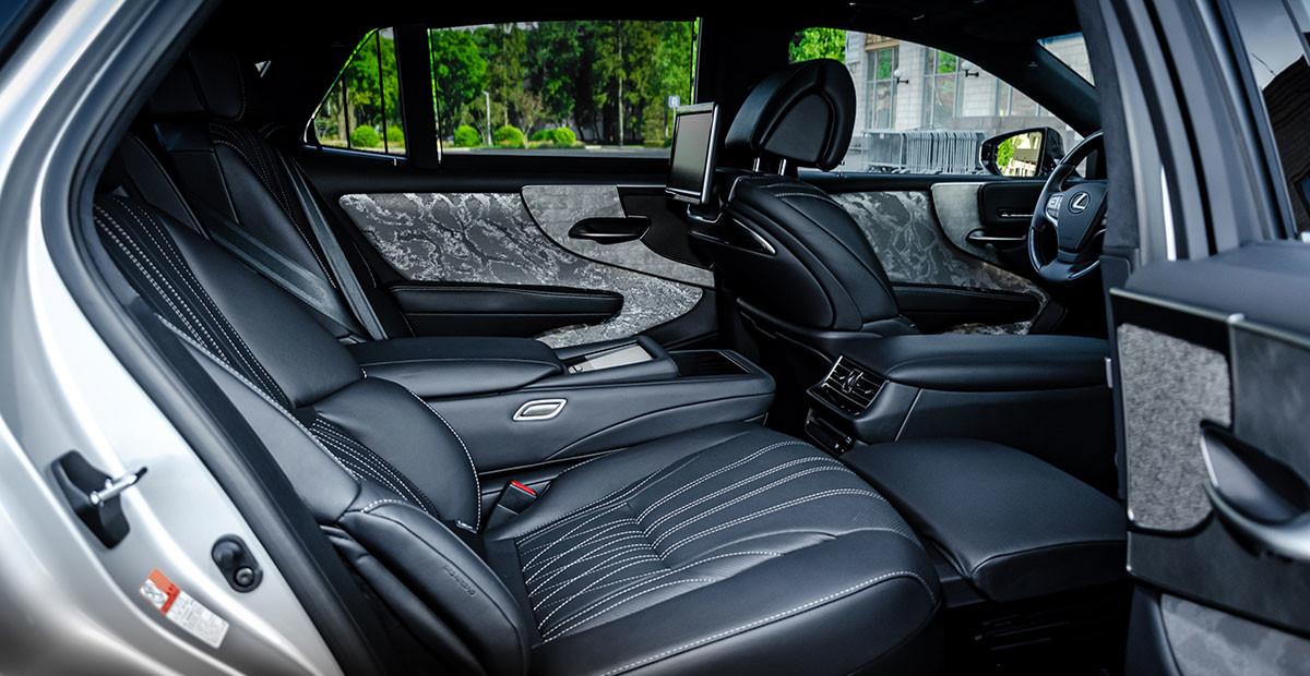 Тест обновлённого Lexus LS 500: что с ним не так?