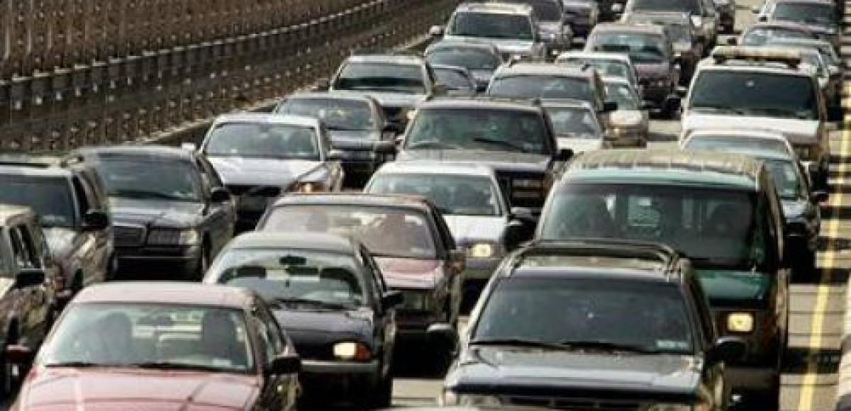 На Киевском шоссе огромная пробка