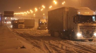 Грузовому транспорту запретят въезд на МКАД
