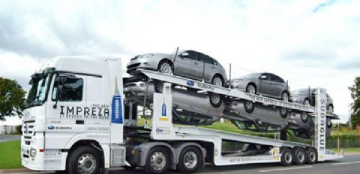 Водитель автовоза разбил шесть новых машин