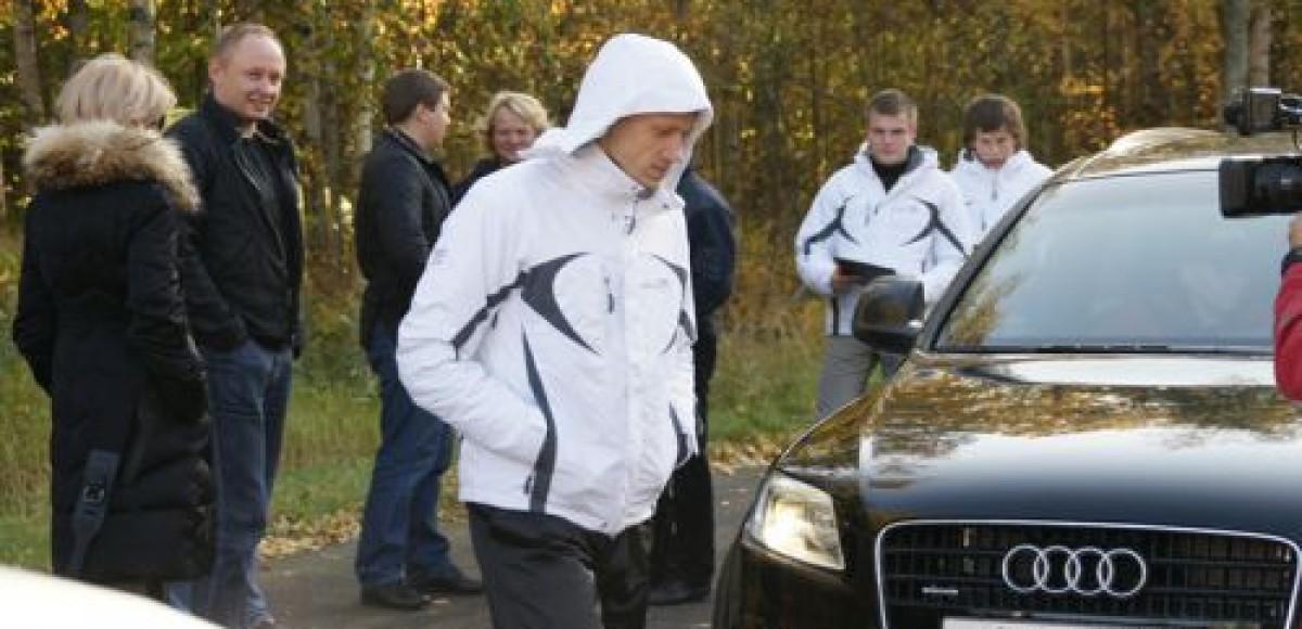 Футболисты ФК «Зенит» провели тест-драйв Audi R8
