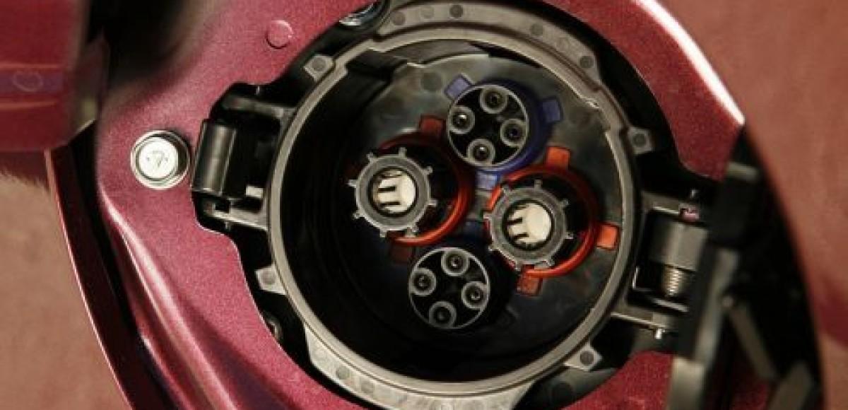 Компания «РОЛЬФ Импорт» продала 14 электромобилей Mitsubishi I-MiEV