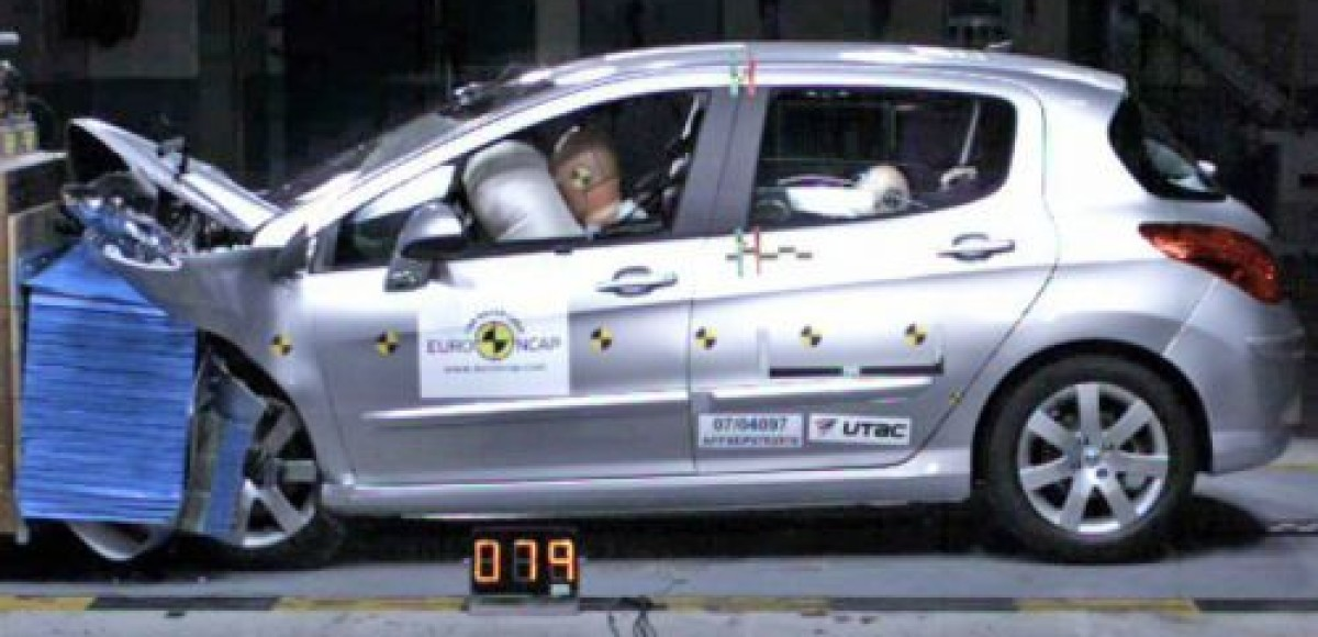 Peugeot 308 получил «пять звезд» в краш-тестах Euro NCAP