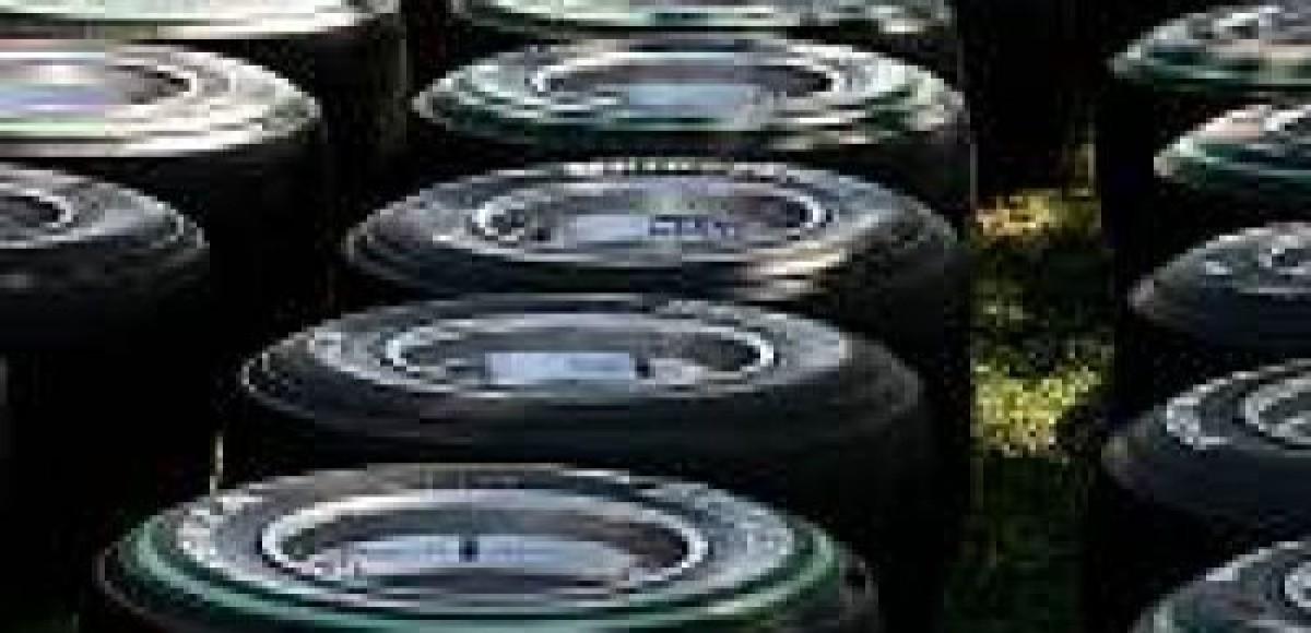 Кто займёт место Bridgestone — Michelin или Pirelli?
