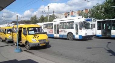 В Петербурге обстреляли маршрутное такси