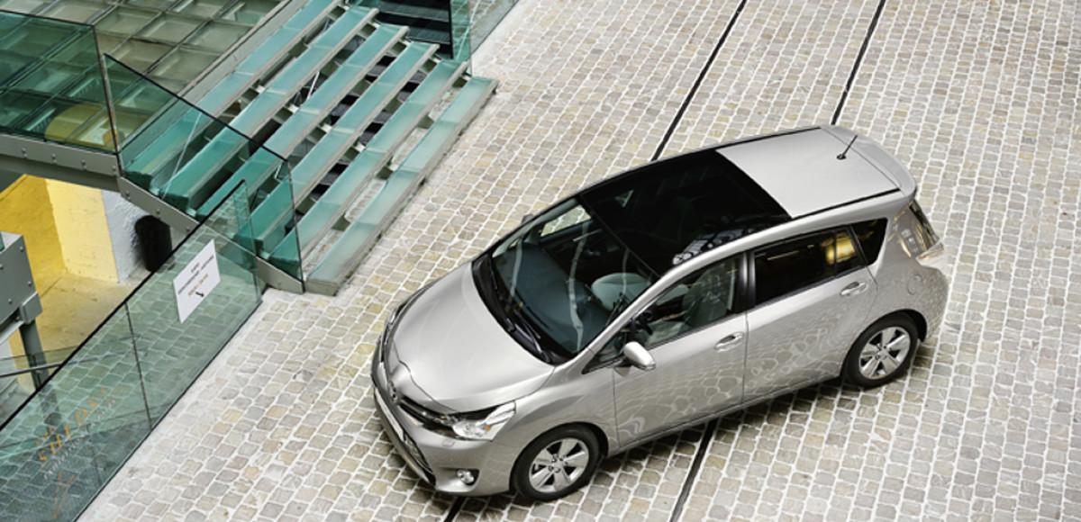 Toyota Verso теперь с панорамной крышей