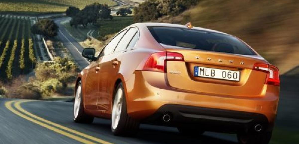 Volvo S60 попал в аварию во время демонстрации работы новейшей системы безопасности