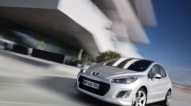 Peugeot обнародовала российские цены на новый 308