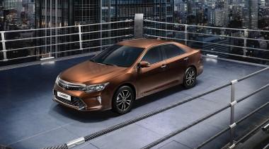 Toyota обновила Camry