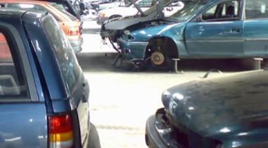 С улиц Москвы снова вывезут брошенные авто