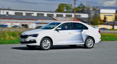 Hyundai Elantra. Без шума и пыли