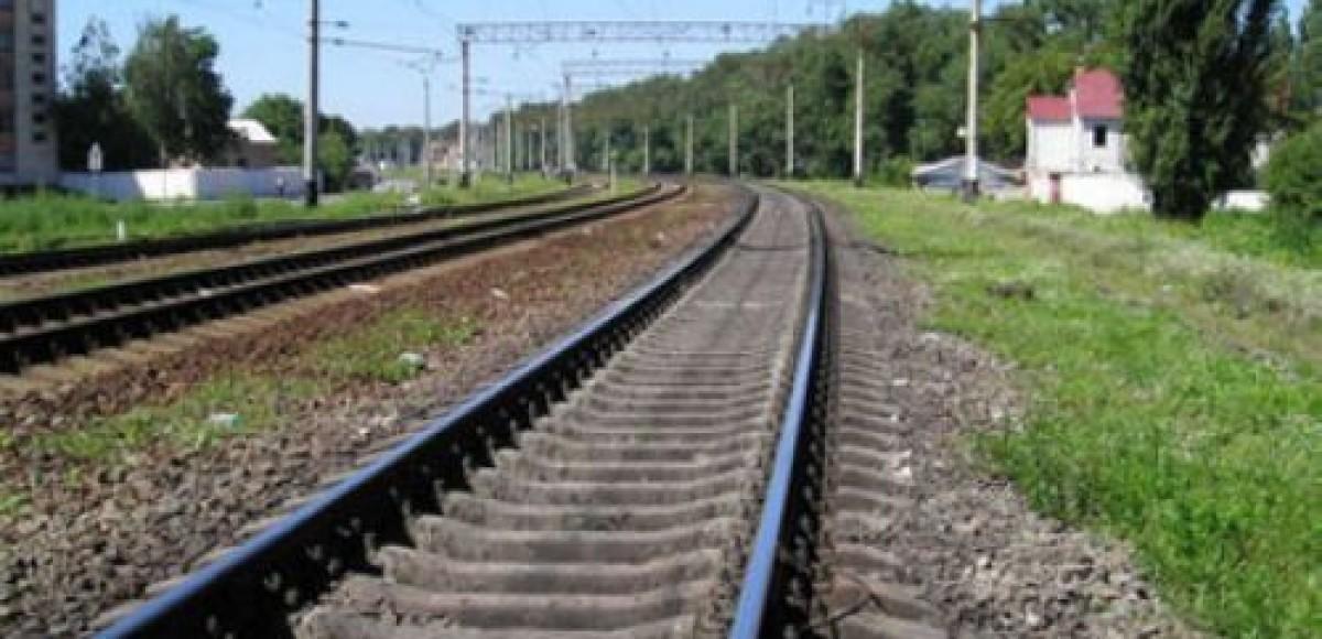 В Екатеринбурге поезд протаранил автомобиль