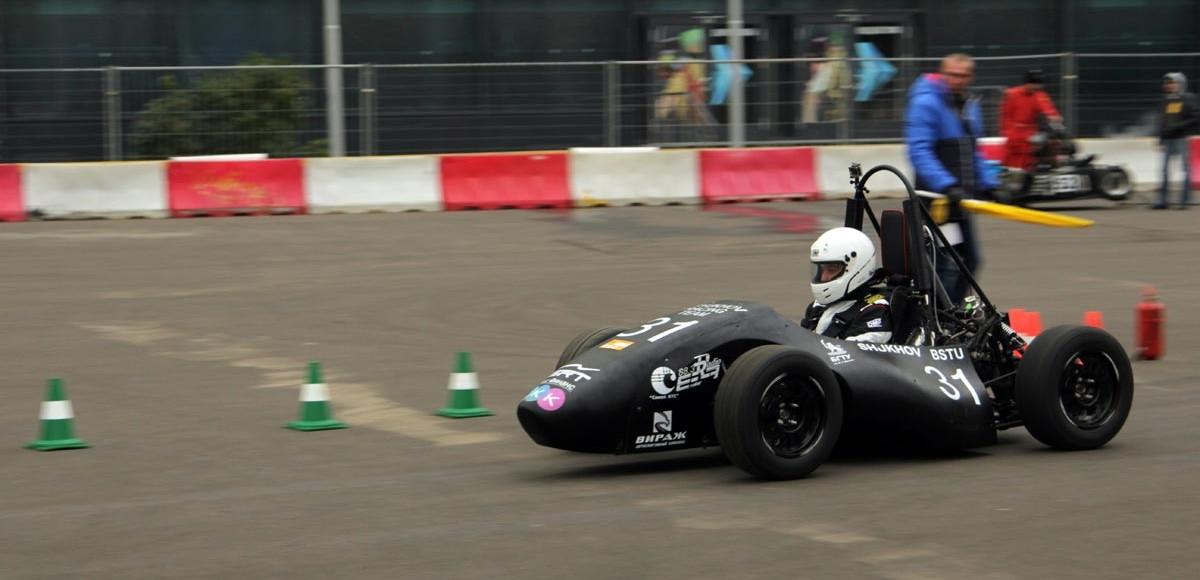 Гонки на болидах, мотофристайл и дрифт-такси в Парке Горького: в Москве пройдет фестиваль автоспорта «Формула Студент»