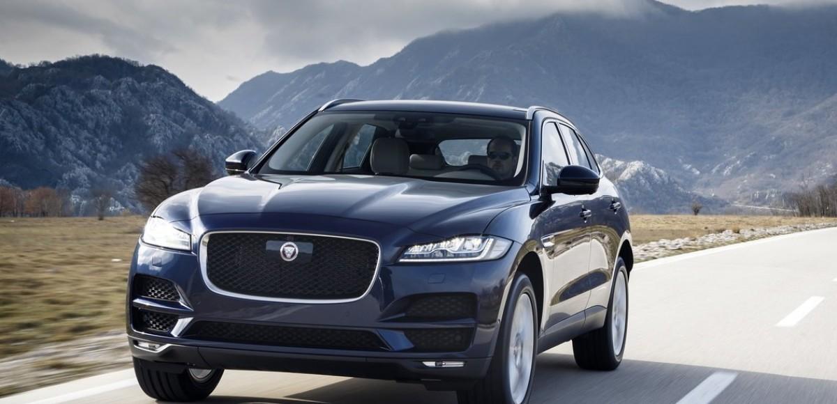Jaguar F-Pace получил новые двигатели и не только