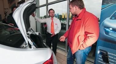 Бельгийский автосалон покупателю одной машины дарит вторую