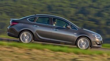 Opel Astra Sedan. Очевидное преимущество