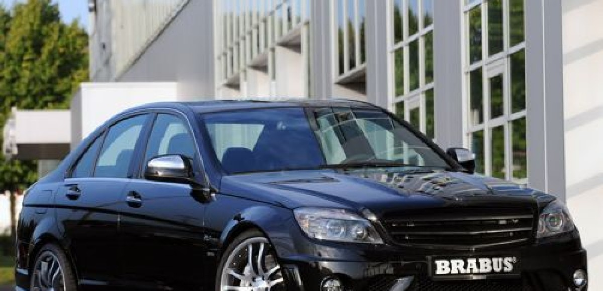 В Brabus доработали Mercedes-Benz C63 AMG
