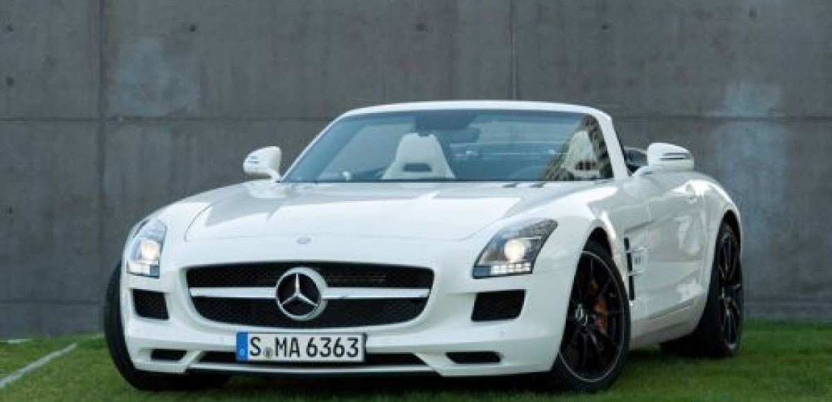 Mercedes-Benz показал новый суперкар SLS AMG Roadster