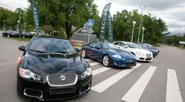 Jaguar представил в России «заряженные» XFR и XKR