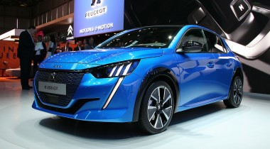 Peugeot 208: электромотор и архитектура i-Cockpit