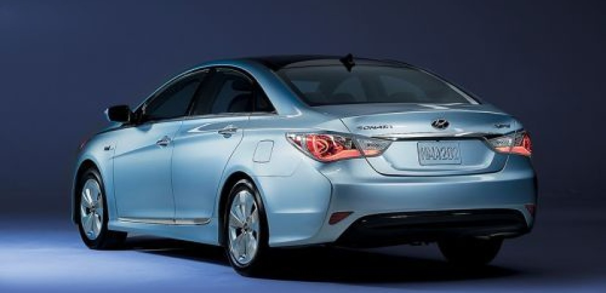 Hyundai Sonata Hybrid. Повод для зависти