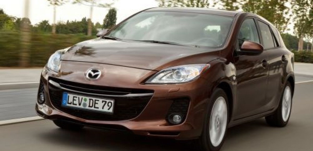 Названы российские цены на обновленную Mazda3