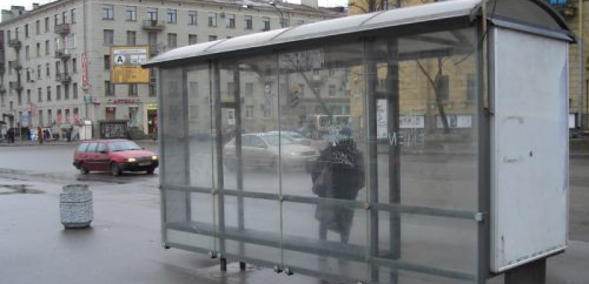 Под Санкт-Петербургом «маршрутка» врезалась в остановку