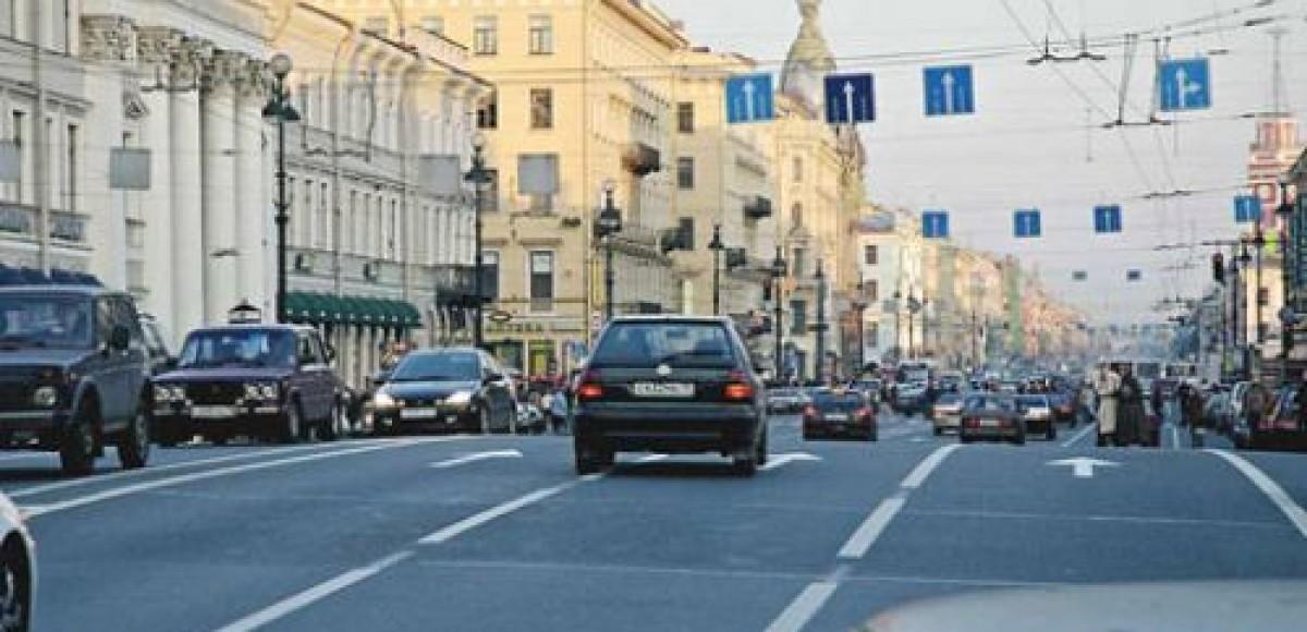 Санкт-Петербург. В выходные движение по Невскому проспекту закрыто
