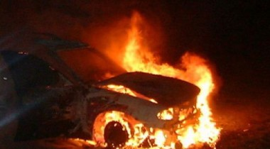 Ночью в Москве подожгли автомобили милиции