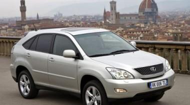 У генерального директора завода «Борец» похищен Lexus RХ 350