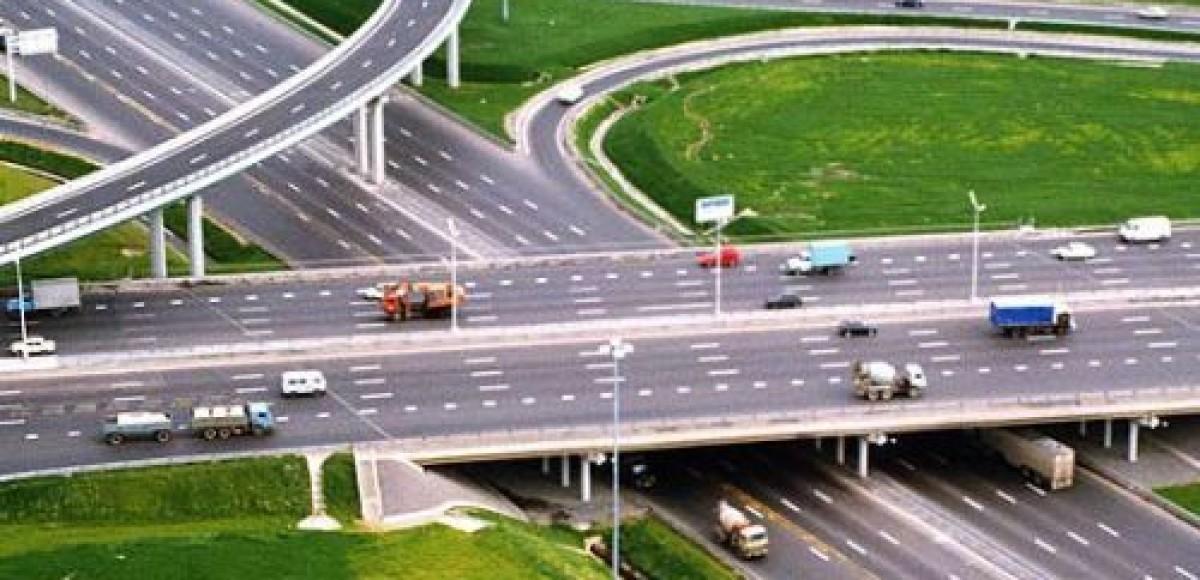 В России началось строительство автобана между Москвой и Санкт-Петербургом