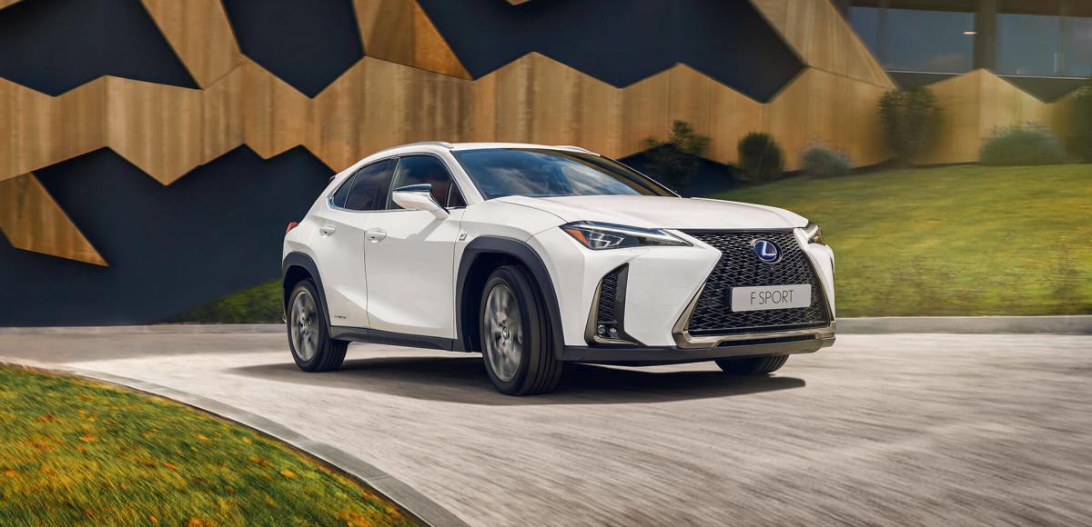 Lexus UX выходит на российский рынок