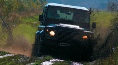 2012 Land Rover Defender получит новый двигатель