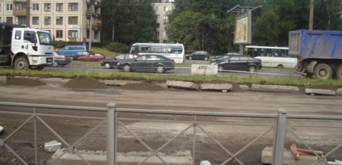 В Петербурге ремонтируют дороги и закрывают движение