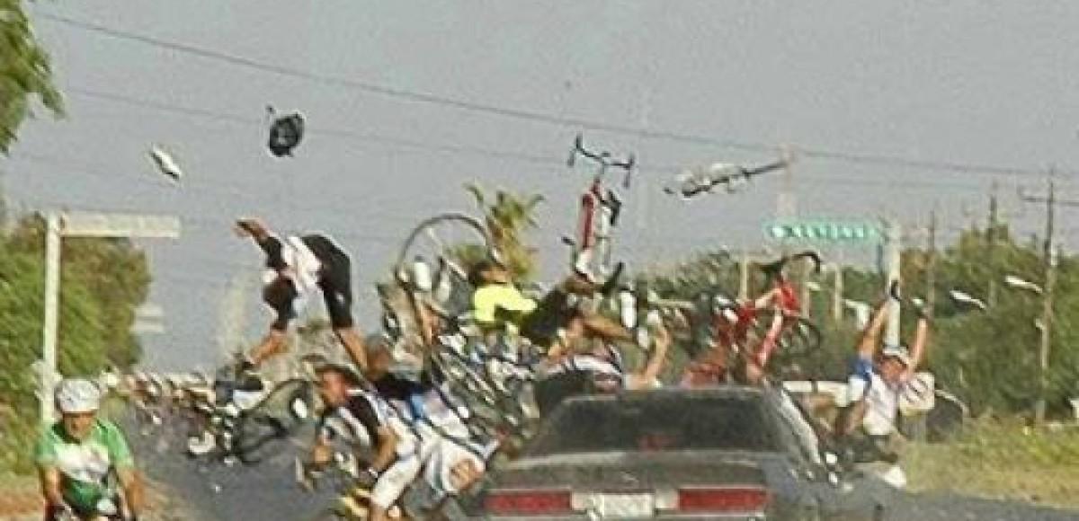 Участники велопробега в Мексике попали в страшное ДТП