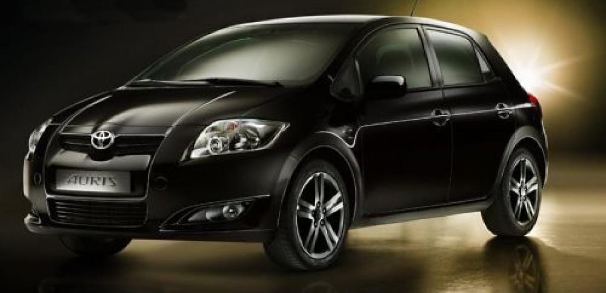 В дилерских центрах «СП БИЗНЕС КАР» появилась обновленная Toyota Auris