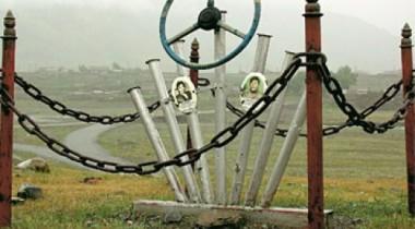 Памятники жертвам автокатастроф на дорогах Красноярского края будут снесены
