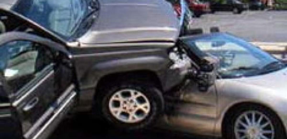В Москве на Каширском шоссе столкнулись три автомобиля