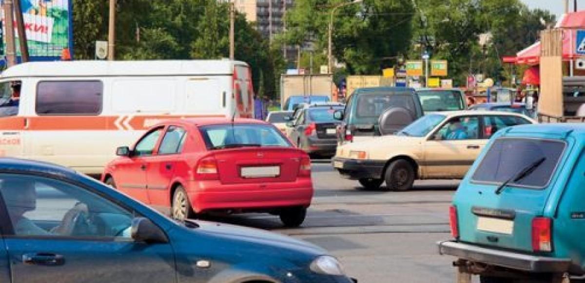 Московские автовладельцы ударили автопробегом против повышения транспортного налога