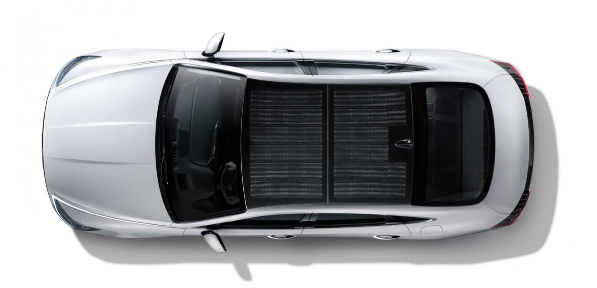 Hyundai Sonata оснастили крышей из солнечных батарей