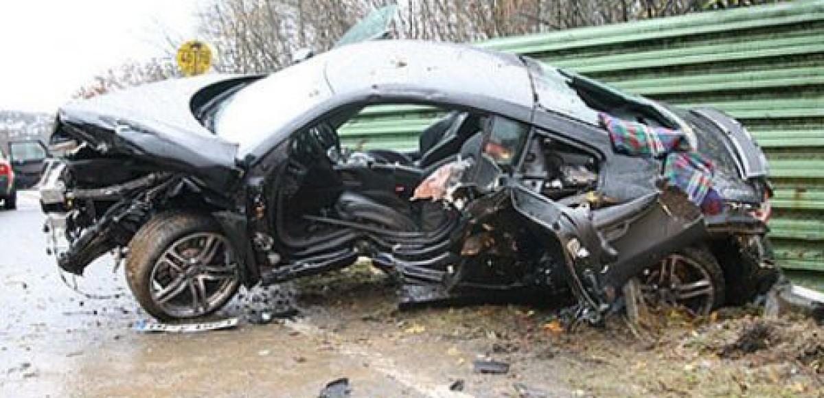 На Ивано-Франковщине вдоль дорог установят изувеченные авариями автомобили