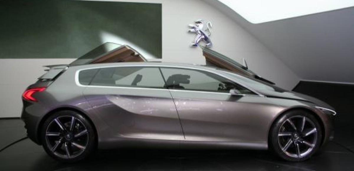 Peugeot представила на Франкфуртском автосалоне две новинки, оснащенные HYbrid4
